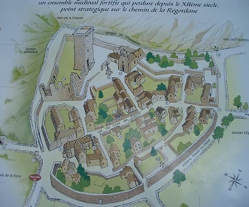 Plan du village médiéval de La Garde-Guérin en Lozère