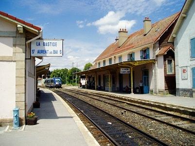 """La Bastide Puylaurent (La Bastide St Laurent les Bains pour la SNCF) par le """"Cévenol"""""""